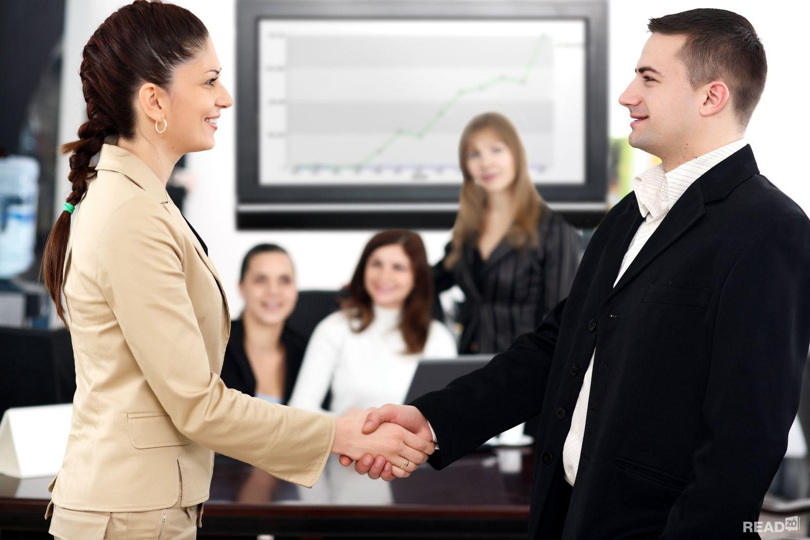 Kỹ năng giao tiếp tạo ấn tượng với khách hàng ngay từ lần đầu tiên