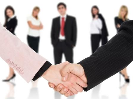 Phần mềm CRMVIET: 05 cách giao tiếp với khách hàng hiệu quả.